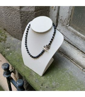 Collier en Agate noire craquelée (grosses perles) fermoir acier